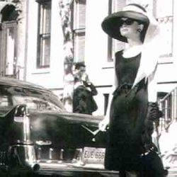Audrey Hepburn, Walking
