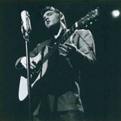 Elvis Presley, Playing guitar