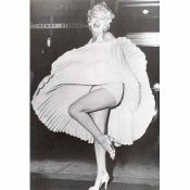Marilyn Monroe, skirt lifted