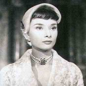 Audrey Hepburn, String of Pearls